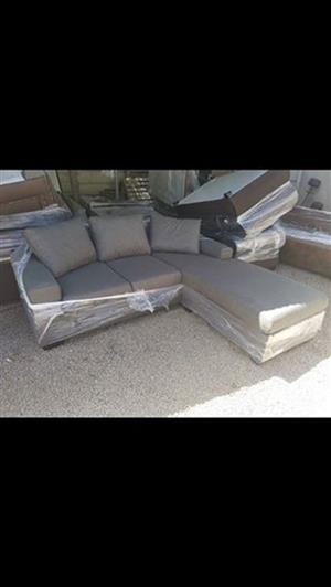 Very nice comfort 3 in 1 sofa for sale