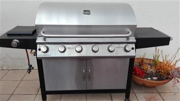 6 Burner gas Profesonal braai in perfect condition