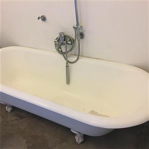 Victorian roll top cast iron bath with claw feet