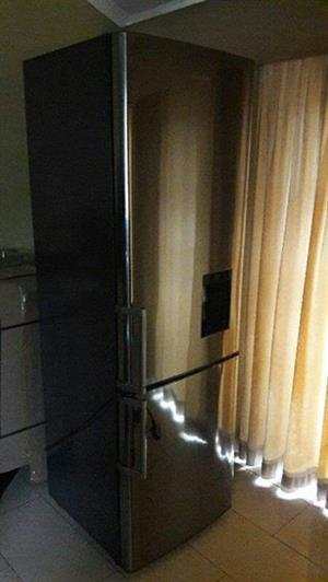 Samsung metallic water dispenser fridge