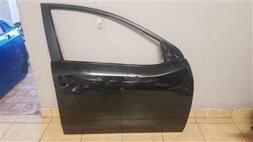 KIA SERATO FRONT RIGHT DOOR