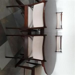 Extendable kiaat dinning room table and 6 chairs