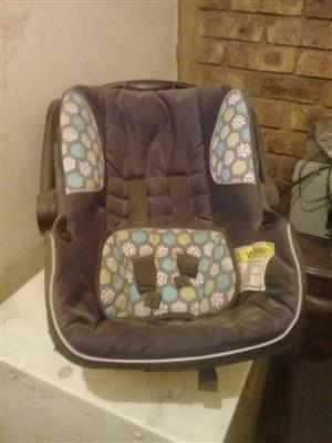 Car seat for new born for sale