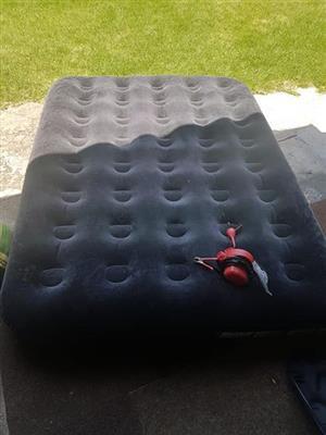 Opblaas bed