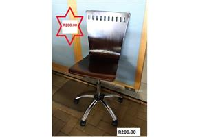 Used wooden Chairs for sale!