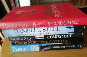 5 Danielle Steel books for sale