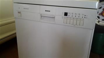 Bosch dishwasher white . Private sale