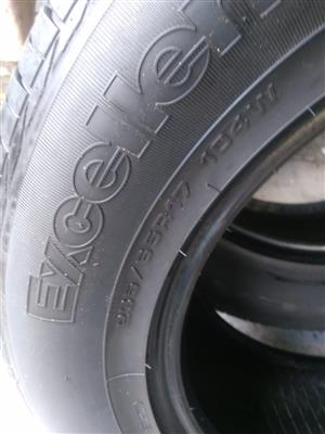 Two 70% tread 235/65/17 Goodyear Excellence tyres R1500 for both tyres R750 each