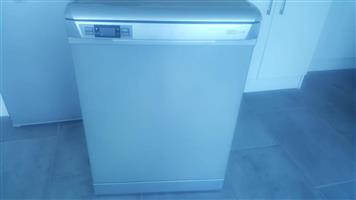 Defy - Metallic 12 Place Dishwasher - brand new and unused
