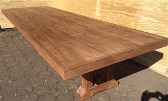 Patio table Chunky Farmhouse Viking series 4400 Tripple trestle legs - Stained