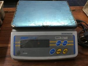 30 kg Scale with 10 gr accuracy - Adam model LBK30