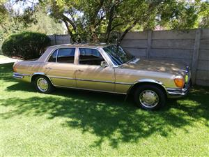 Mercedes Banz 280 se W116
