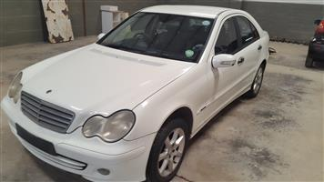 Mercedes C180 Kompressor W203 Facelift 2006 stripping for spares.