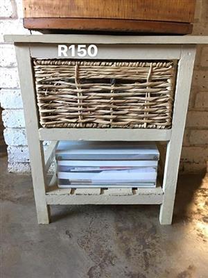 Single basket bedside drawer