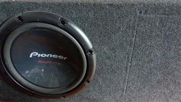 Pioneer sub woofer