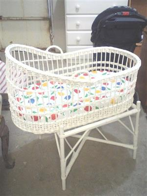 Basket baby crib for sale