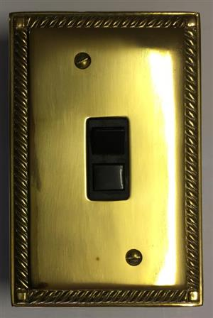 GEORGIAN POLISHED BRASS 1 LEVER – R 220