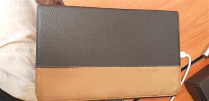 Samsung Tablet SM T561 for sale