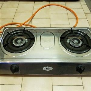Cadac 2 plate gas stove AND 9kg full gas