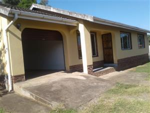A charming  3 bedroom, 2 bathroom house,with garage & carport in Cleland. Pietermaritzburg