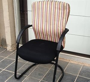 Pre-owned Visitors chair with red stripped backrest/black seat