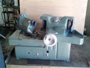 Valve grinding machine