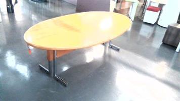 Oval 8 Seater  veneer boardroom table