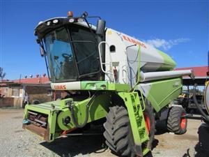 Claas Tucano 480 Combine Harvester