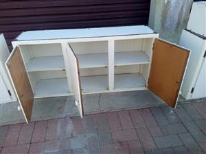 Kitchen cupboards for sale 1600