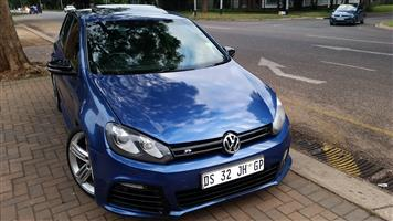 Golf 6 TSi-R front bumper skin with right hand side grill ONLY