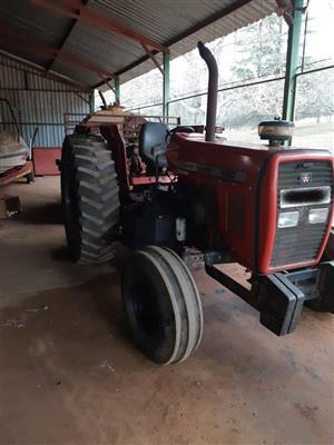 Massey Ferguson 460 Tractor