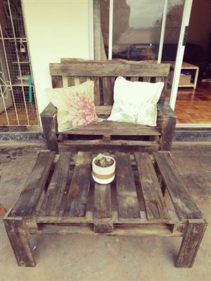 Wooden pallet 2 seater bench and table