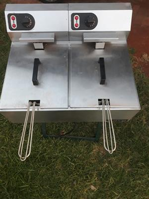 selling a double deep fryer. anvil