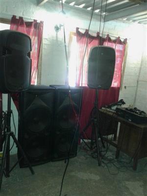 4 Piece speaker set with stands