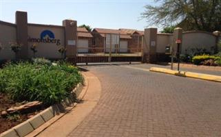 2 Bedroom Townhouse To Let in Simonsberg, Equestria Estate