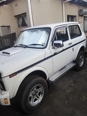 2000 Lada Niva