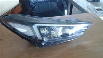 2018 Hyundai Tucson xenon Headlights OEM