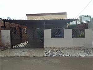 3 BEDROOMS HOUSE FOR SALE ATTERIDGEVILLE EXT 17 R600 000.00 CALL SOPHY FOR MORE INFO @ 076 081 3571