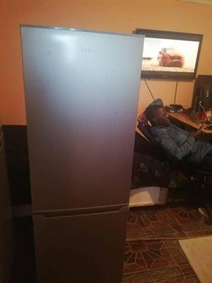 Defy fridge n freezer