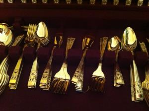Golden cutlery set for sale