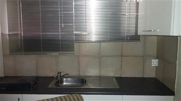 Blairgowrie 2nd floor Apartment WITH VIEWS over Sandton & Randburg
