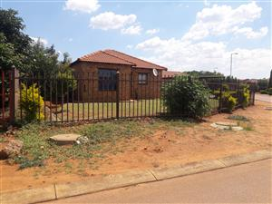 House to let at Karenpark