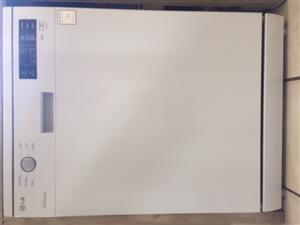 LG Dishwasher Model D1422WF