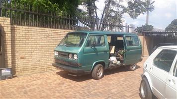 2000 VW Volkiesbus