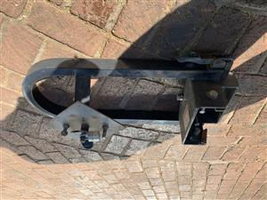 Spare wheel carrier/bracket