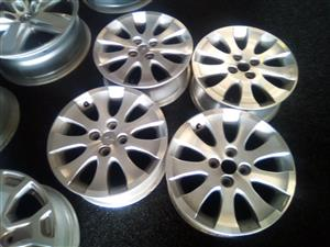 15 inch mags with 4x100 pcd for R3000.