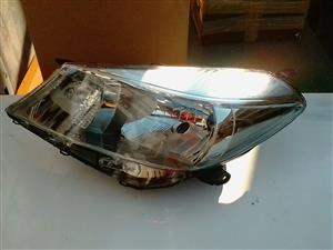 TOYOTA YARIS HEAD LIGHT L.S