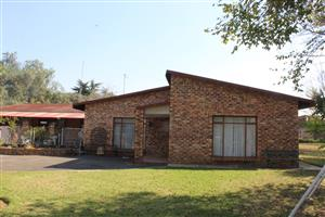 RIETKOL(DELMAS AREA) DEED OF SALE-R300.000 DEPOSIT (OR WHAT HAVE YOU)-3 HOUSES