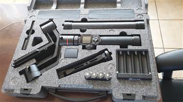 AK2000 3-Axis Handheld Gimbal for DSLR Cameras - FeiyuTech