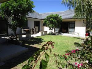 IIIImacculate house for sale in Rondebosch East, Cape Town